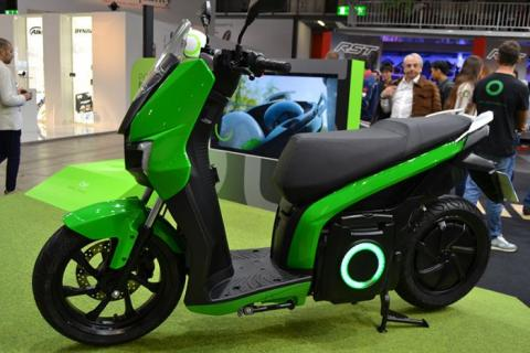 """Spanish electric scooter brand """"Silence"""" opens UK flagship store in Birmingham"""
